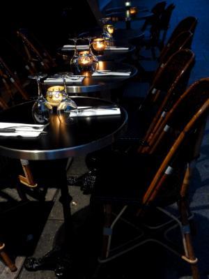 Night time tables Paris